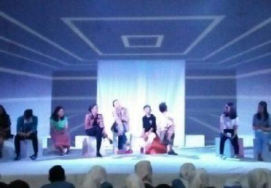 Hoaks, Teka-teki Teater Ruang Putih
